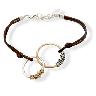 Interlocking Eternity Circles Bracelet on Leather